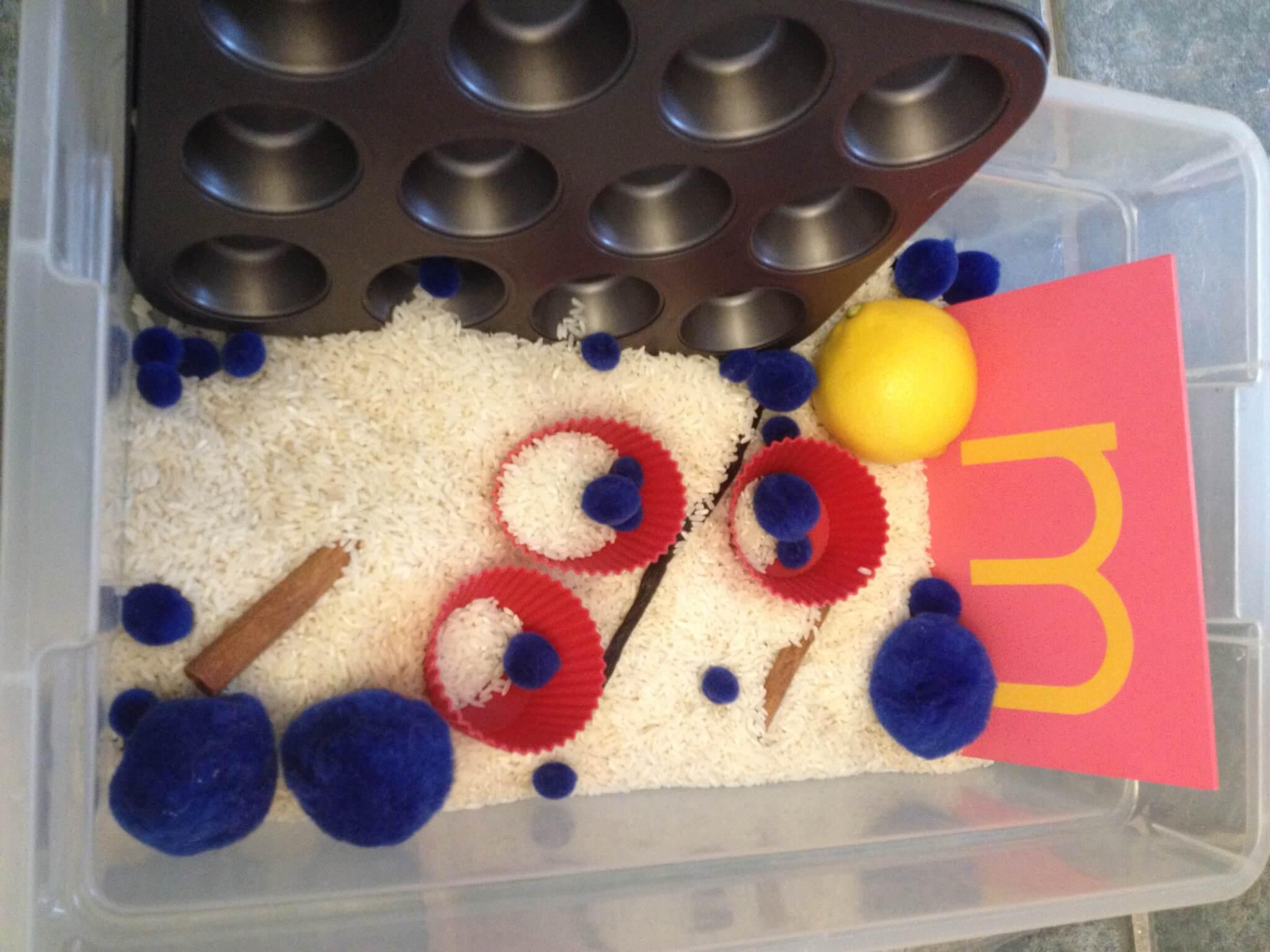 """mmm"" is for muffin sensory bin at Study-at-Home Mama #sensorybin #muffinunit"