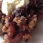 Kids Kitchen: Apple Blackberry Crumble