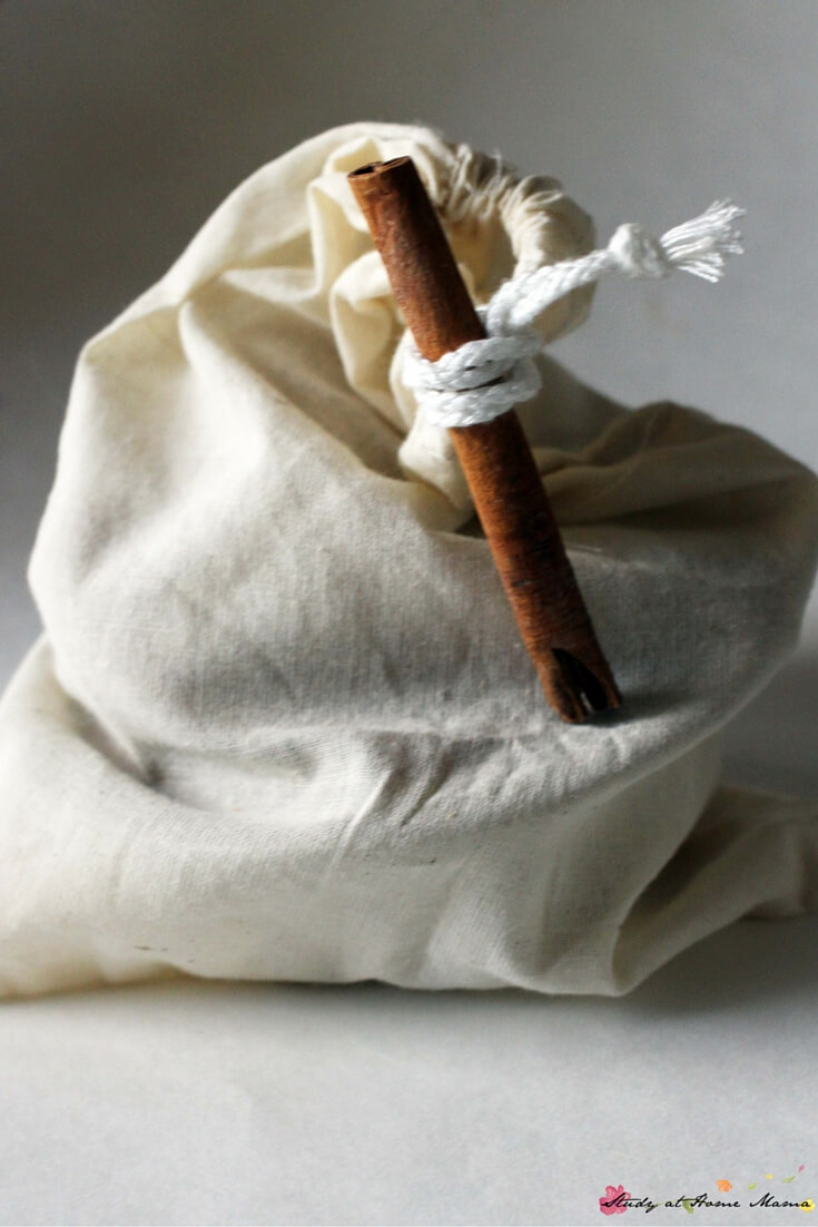 Apple Pie Busy Bag - a homemade toy that can be made in 5 minutes, and gives kids hours of play