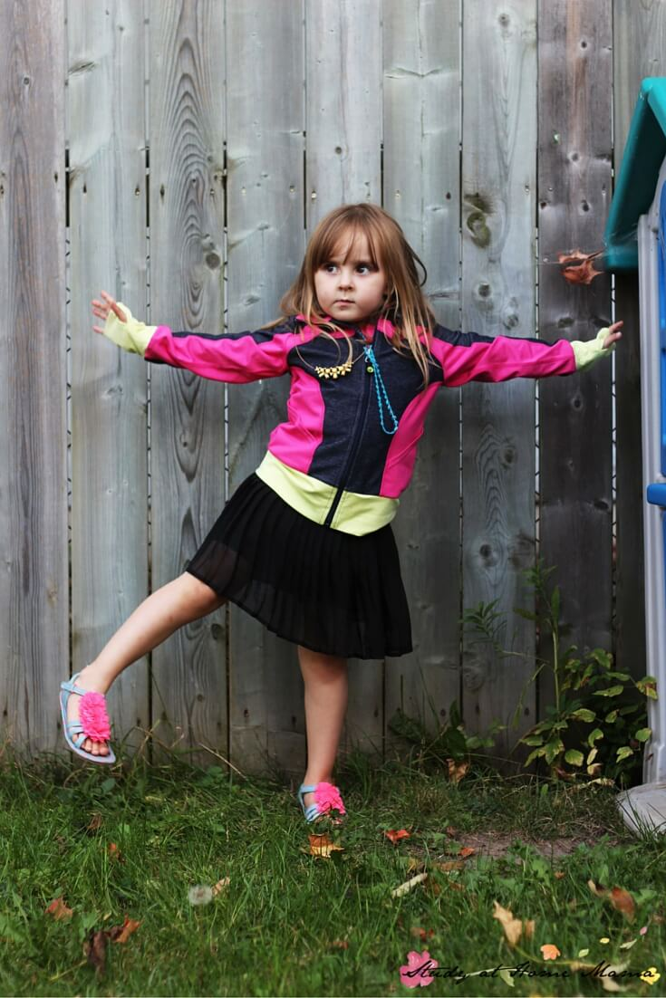 How to do Star Pose for Kids - a great easy yoga pose for kids, as part of a Fall Yoga Sequence
