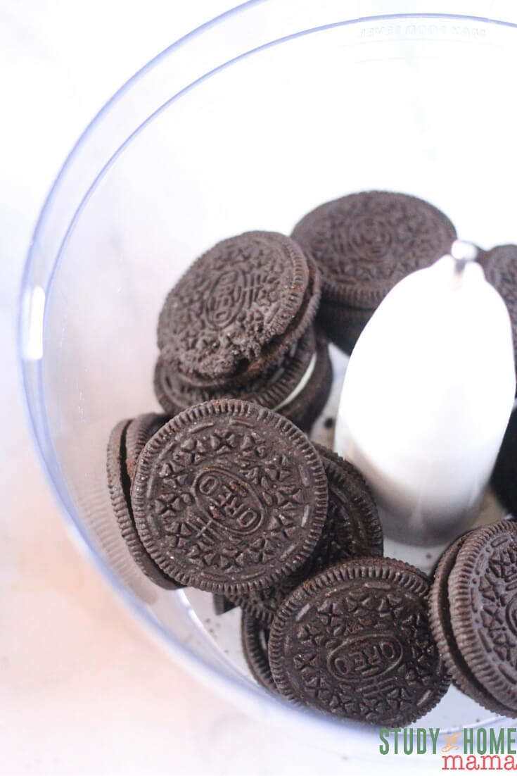 How to make OREO Cookie Ball Snowmen