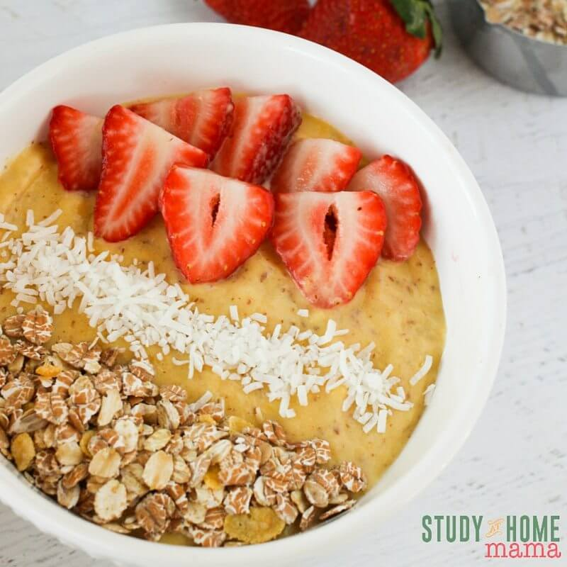 A quick and easy breakfast for healthy mornings - check out this mango smoothie bowl, a fun twist on a healthy smoothie recipe