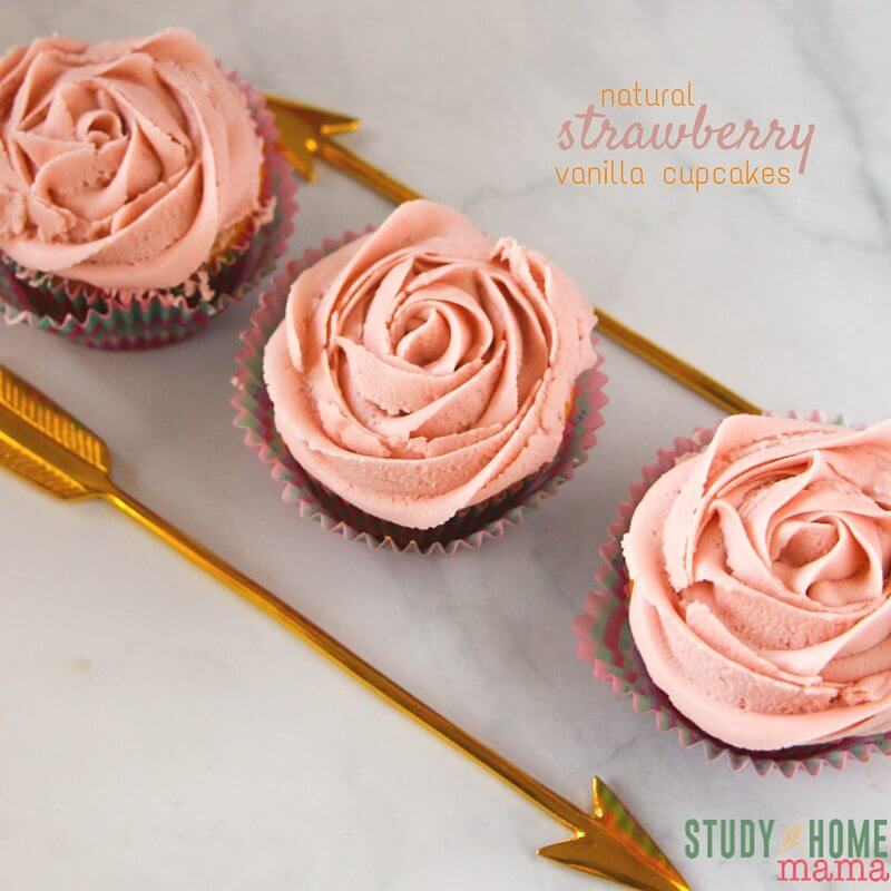 How sweet are these rose cupcakes made with natural strawberry frosting and a delicious vanilla cake