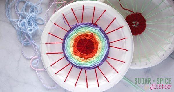 DIY Paper Plate loom (3)