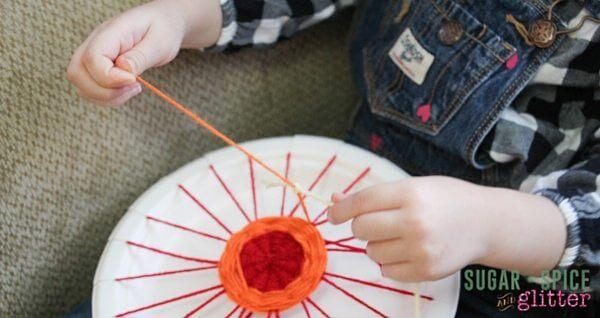 DIY Paper Plate loom (4)