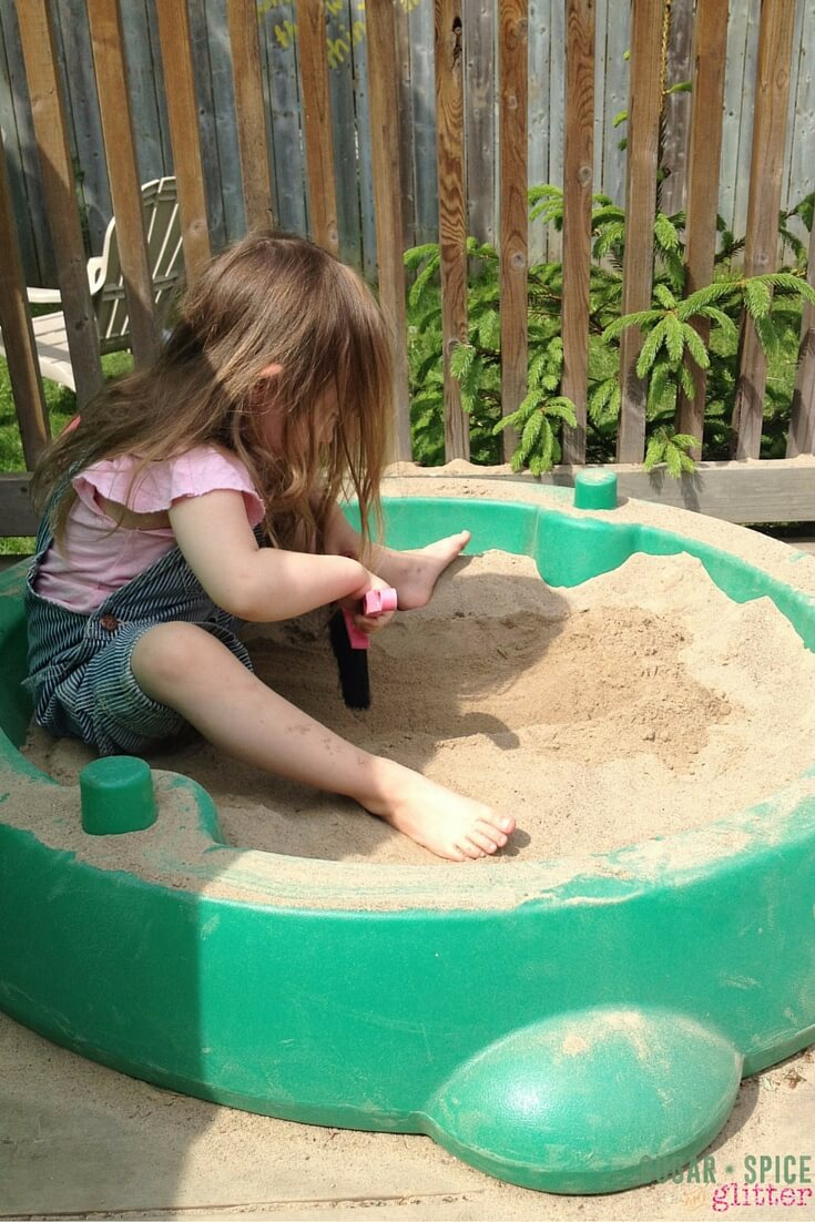 messy outdoor play (1)