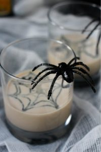 white-russian-halloween-cocktail