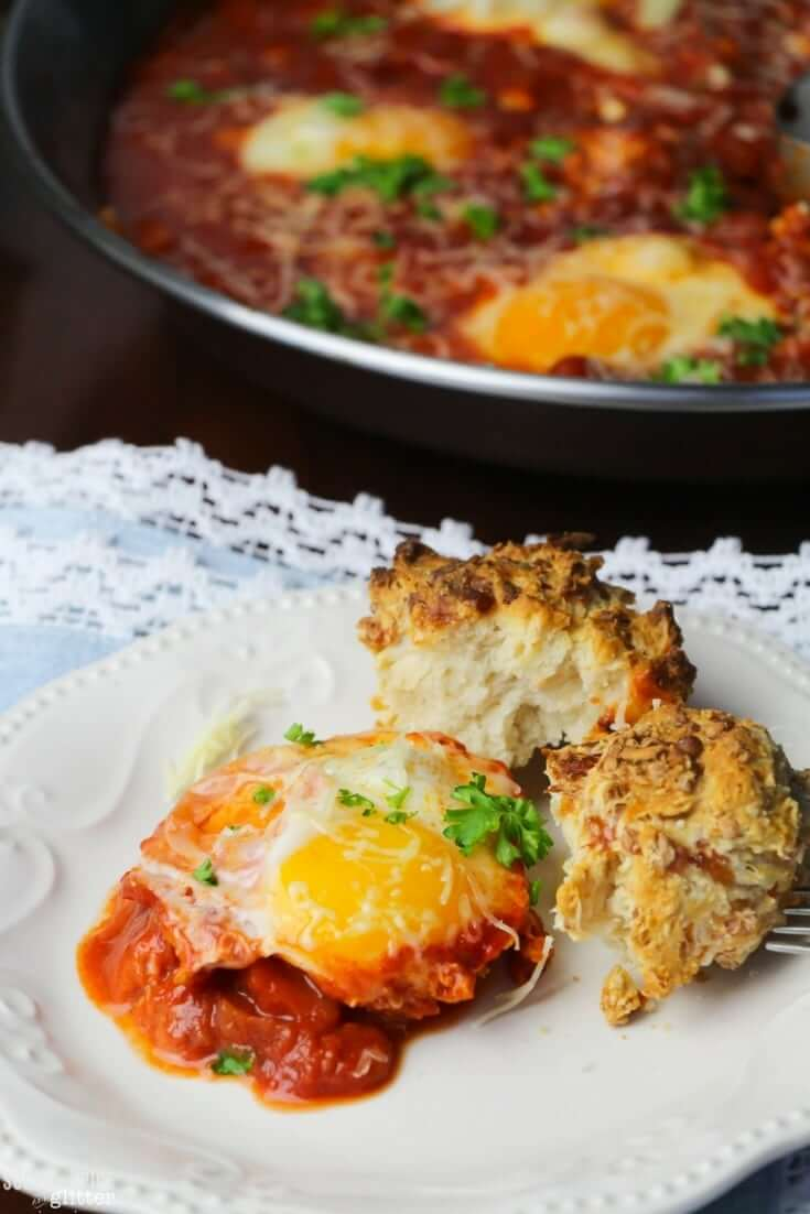 eggs in tomato sauce italian