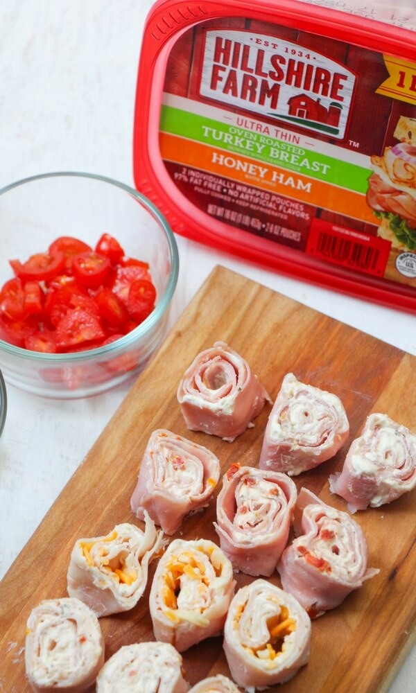 A delicious and protein-packed lunch box idea, these keto pinwheel sandwiches feature home-flavored cream cheese, delicious mix-ins, and no bread! Two recipes- Italian-Style Pinwheels and Turkey Ranch