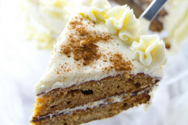 Easy Apple Spice Layer Cake with Cream Cheese Frosting and Caramel Drizzle. This fresh fall cake is the best spice cake you will ever make