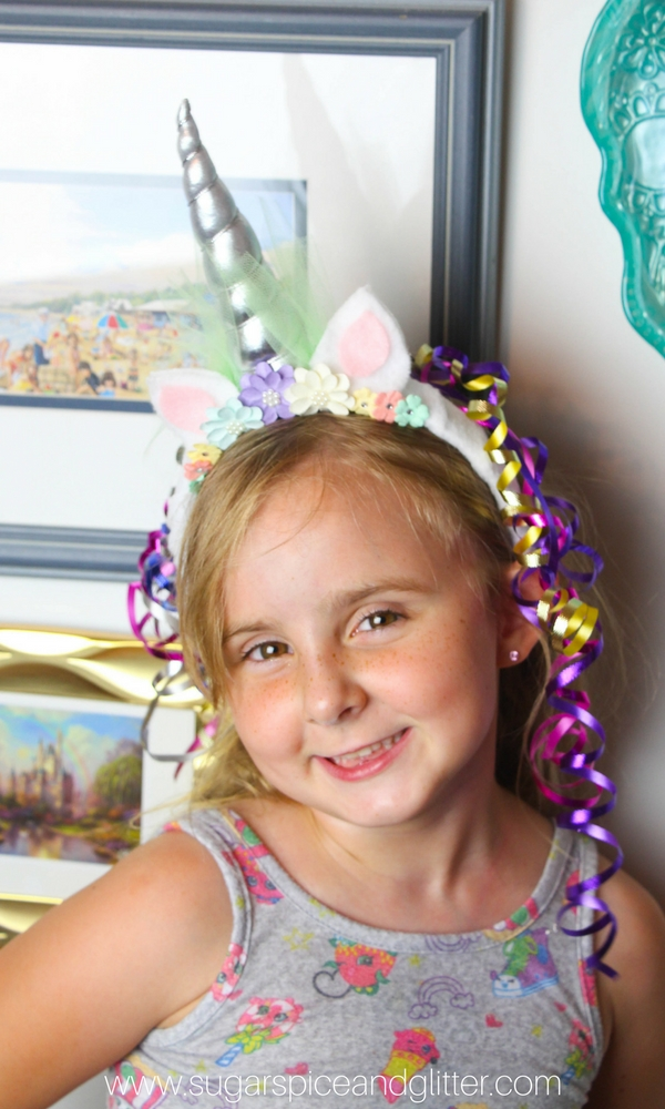 How sweet is this DIY Unicorn headband? A great addition to your Unicorn Party, or just a simple unicorn costume idea to add to your dress-up corner