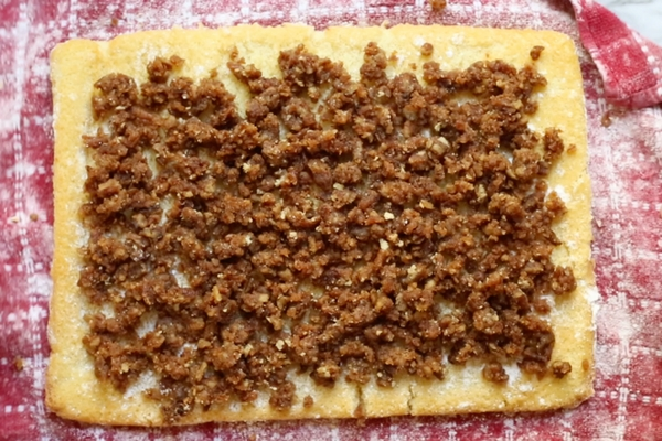 A maple syrup pecan pie cake roll