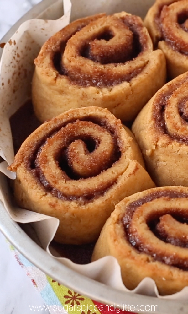 How delicious do these Cinnamon Rolls with molasses and gingerbread spices look?