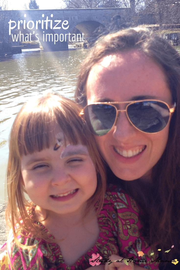Motherhood & Minimalism: Prioritize What's Important