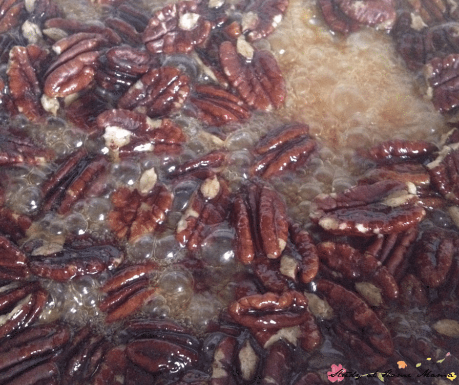 How to make maple-glazed pecans for a delicious homemade pizza recipe