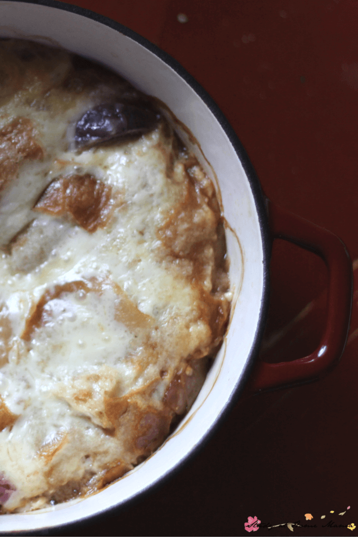 Easy Recipe for French Onion Soup - One-pot cooking at it's finest, this Easy French Onion Soup Recipe makes enough to feed your whole family!