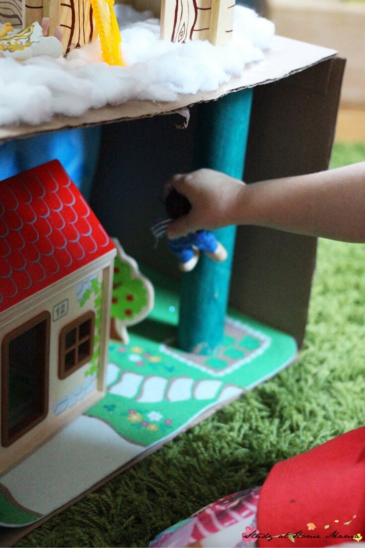 Jack and the Beanstalk Diorama for pretend play - make this cute Jack and the Beanstalk craft with your kids after reading the story, and then reenact it!