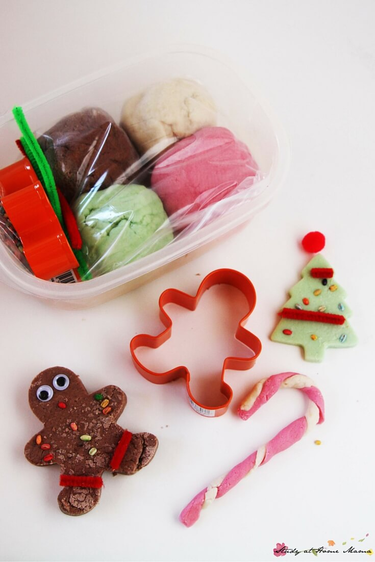 Homemade Christmas Play Dough Kit - a fun and useful homemade gift for kids, this homemade play dough kit engages fine motor muscles and creativity at the same time! Super easy and cheap to put together if you're making gifts for a large group