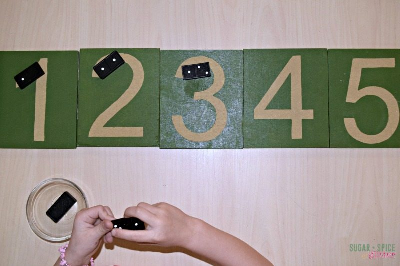 Number recognition with a classic domino game! Help preschoolers learn their number and coorelate their counting with the number they see.