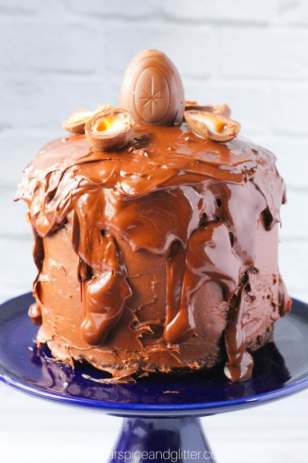 OMG how gorgeous is this triple chocolate, three layer Cream Egg Easter Cake? To die for!