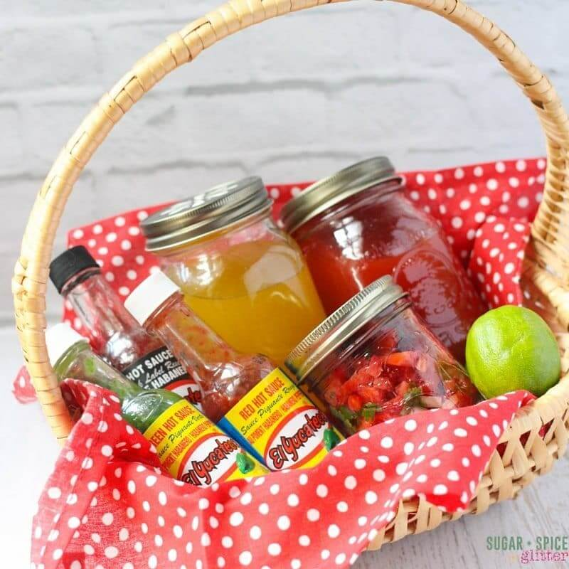 spicy gift basket (1)