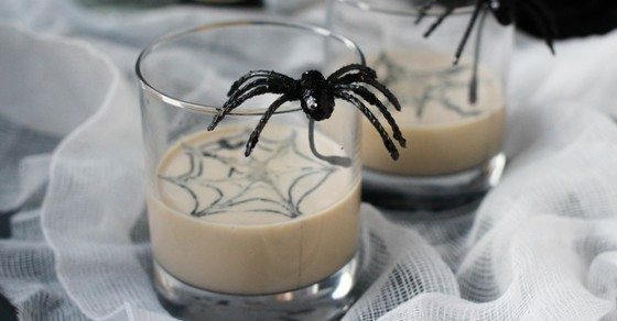 white-russian-cocktail-halloween