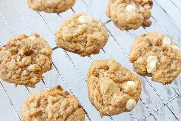 A super simple pumpkin spice cookie using pudding mix