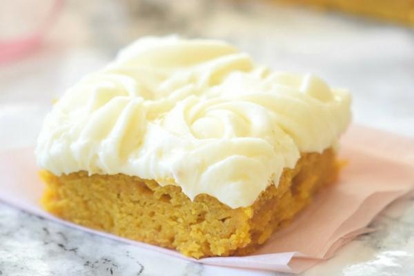 Classic pumpkin cake bar recipe