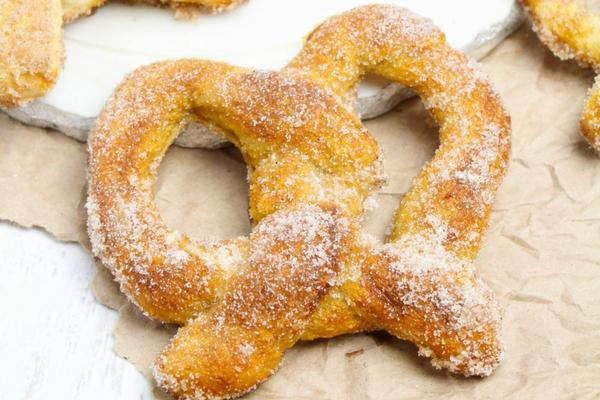Copycat Auntie Anne's soft pretzel recipe