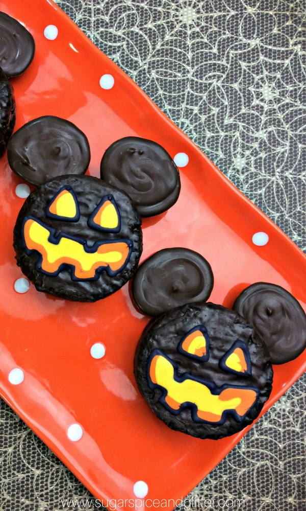 An Easy Mickey Mouse dessert kids can help make since it's no-bake!