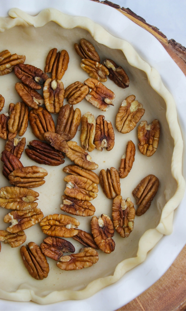 How to make a super simple pecan pie