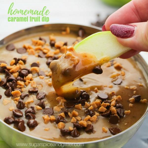 How to make this super easy dessert dip for parties - homemade caramel fruit dip