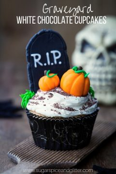 Graveyard Halloween Cupcakes (with Video)