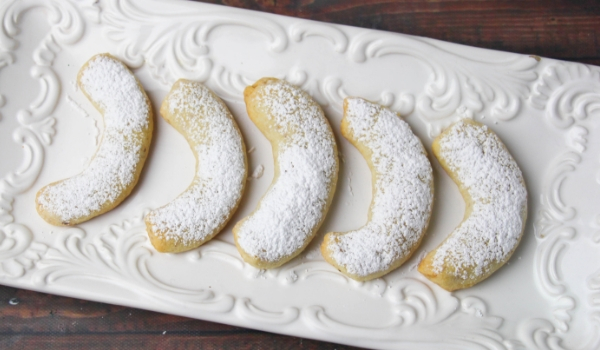 Walnut Crescent Cookies Sugar Spice And Glitter
