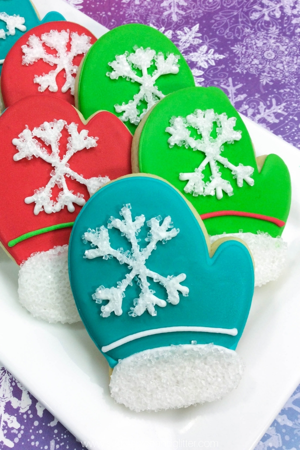 These Mitten Sugar Cookies are easier to make than they look thanks to a few simple sugar cookie decorating tips