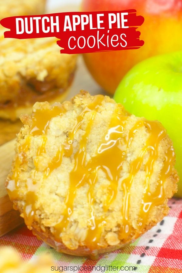 How to make Mini Dutch Apple Pie Cookies, a fun apple cookie perfect for fall!