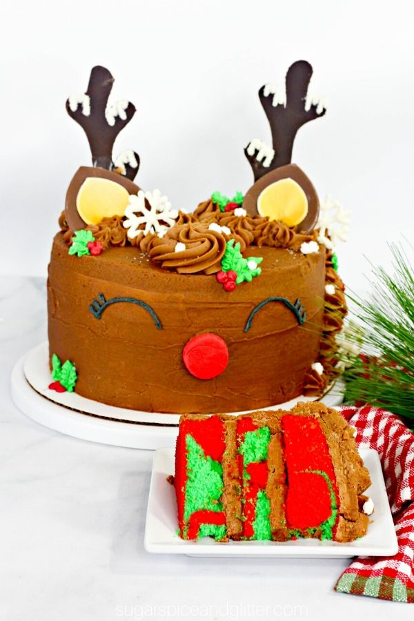 How adorable is this chocolate reindeer cake? And sounds super simple to make, too!