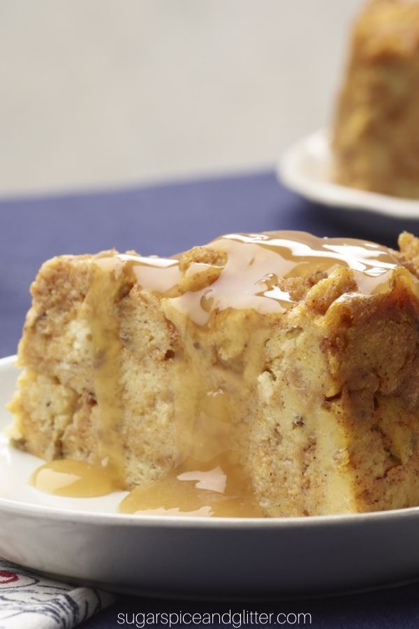 How amazing does this Instant Pot Pumpkin Bread Pudding recipe look? And that apple-vanilla sauce? To die for!