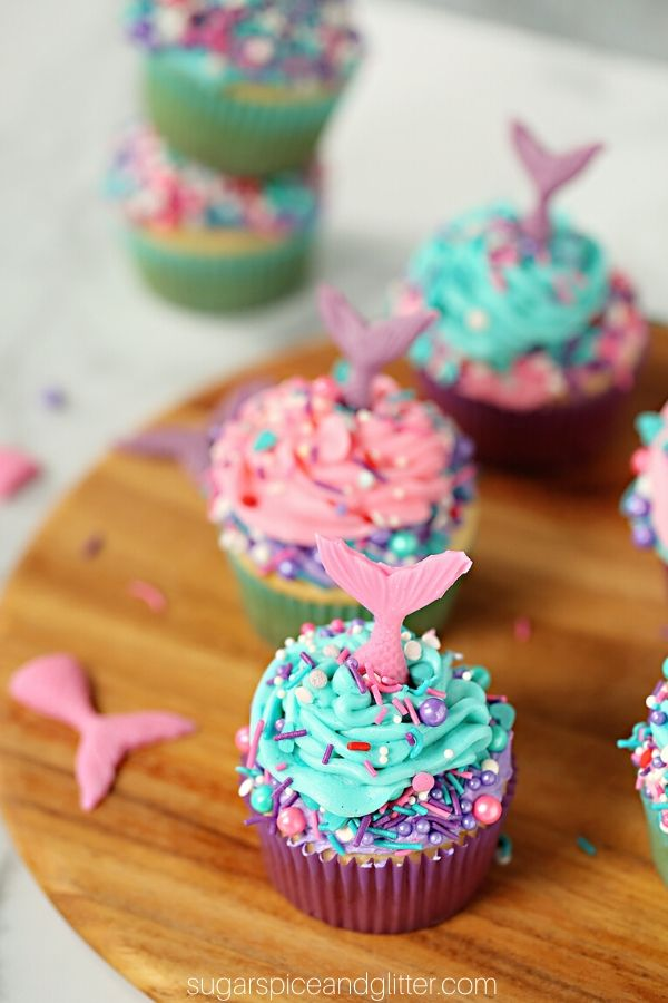 How gorgeous are these mermaid cupcakes? Plus, super simple and quick to make