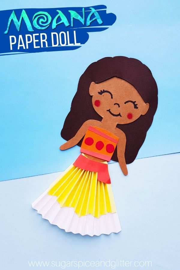 How adorable is this super simple Moana Paper Doll? Perfect for the little Moana fan in your life - make these for a family movie night or hand out the free printable template as a Moana Party Favor!